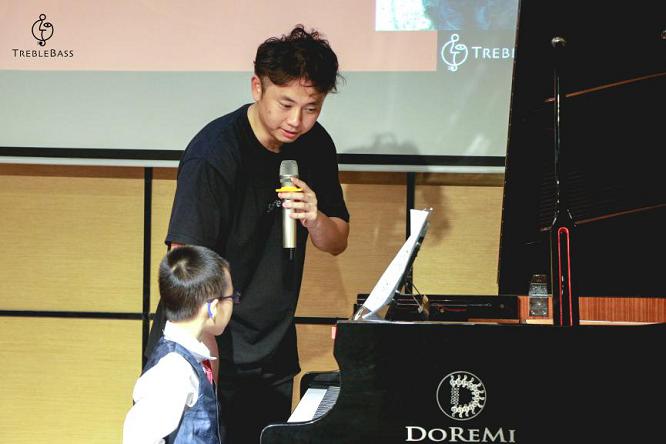 TrebleBass:为什么说学钢琴的孩子不会坏?