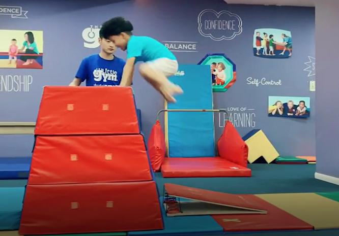 """小小运动馆飞跃挑战赛,让孩子创造""""惊喜"""""""